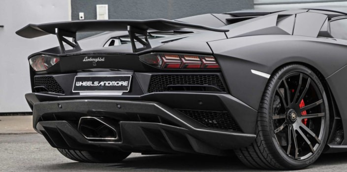 exhaust aventador s rear view