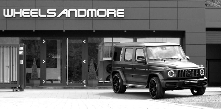 side light right view on g63 with 24 inch tuning alloys