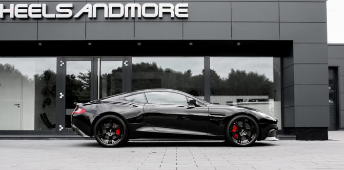 6sporz wheels with carbonlook surface on aston martin vanquish