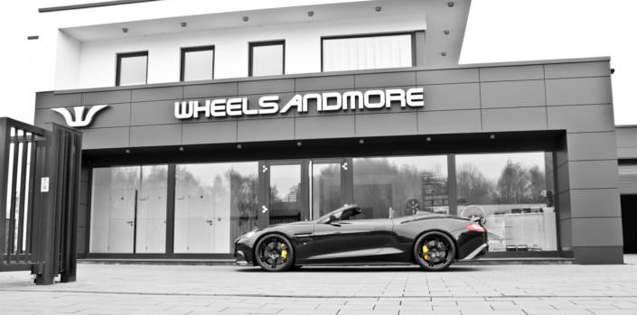side view black vanquish with 21 inch wheels