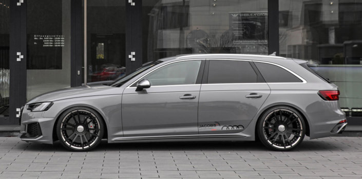10,5x20 inch fiwe wheels side view audi rs4