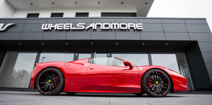 ferrari 458 red spyder wearing fiwe concave wheels glossy black with red outline
