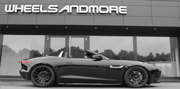 9,0x20 and 11,0x20 inch fiwe wheels in black on black f-type