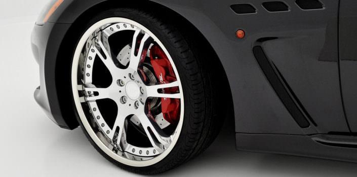 clos up high glossy fron wheel 21inch 6sporz on maserati mc stradale