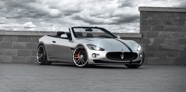 fron view on conversed maserati gran cabrio with fiwe wheels in 21 inch and coliover suspension