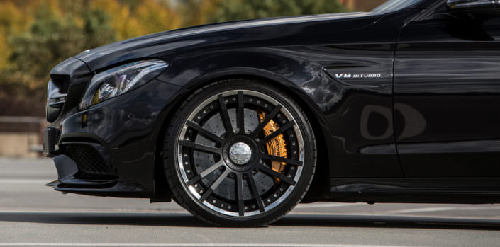 front axle fiwe wheel with ceramic brake on mercedes c63 amg