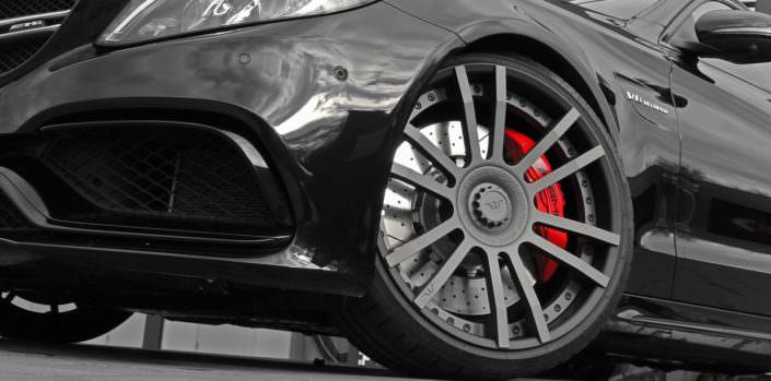 matte grey center and black outside rim on fiwe wheel for mercedes c63