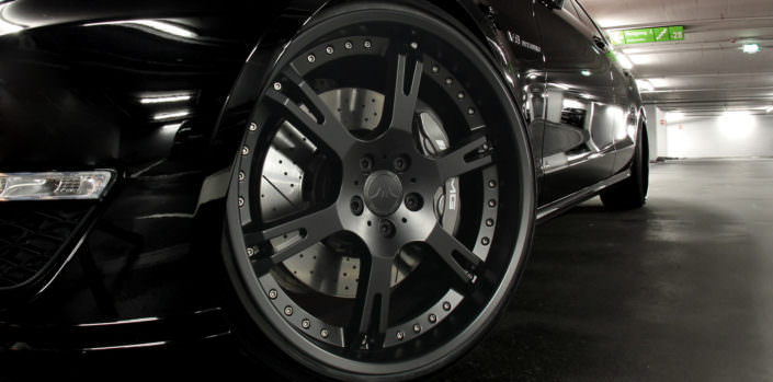 close up matte black forged 6sporz wheel on cls 63 amg