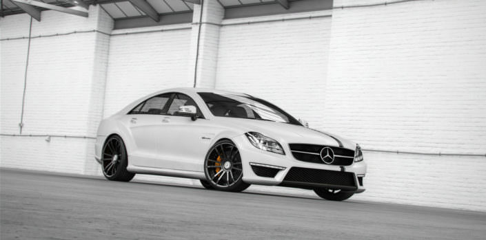 render of mercedes cls63amg with fiwe wheels 20 inch black chrome
