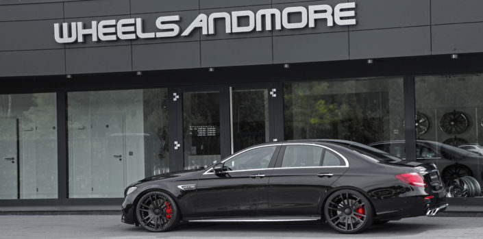 e63 amg tuning wheels fiwe 21 inch black on black mercedes