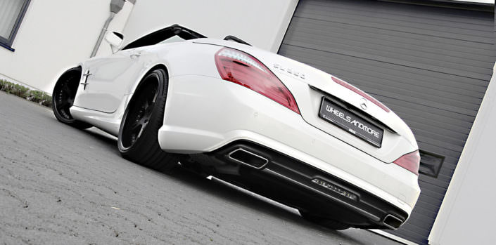 mercedes sl350 rear view exhaust and 11x20 inches wheel