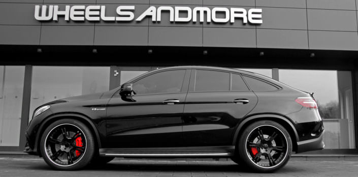 side view black gle63amg with 22 inch 6sporz