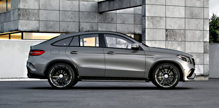 side view mercedes gle63amg with 22 inch fiwe wheels black chrome