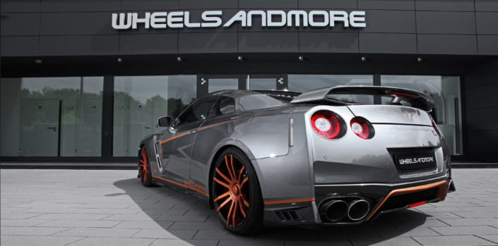 side view grey gtr with bronze copper fiwe wheels