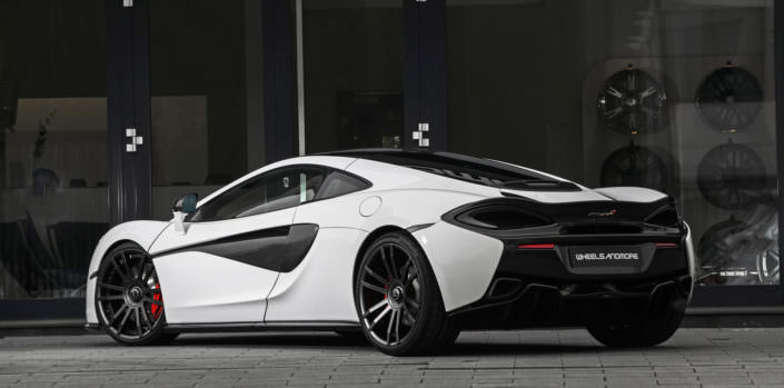 anthracit coated fiwe wheels on white mclaren 570gt